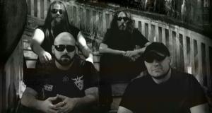 Genocídio (em sentido horário): Rafael Orsi (guitarra), W. Perna (baixo), Murillo Leite (vocal e guitarra) e João Gobo (bateria)