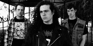 Horrendous: Jamie Knox (bateria), Damian Herring (guitarra e vocal) e Matt Knox (guitarra e vocal).