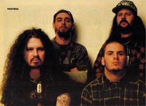 Pantera (em sentido horário): Dimebag (guitarra), Rex (baixo), Vinnie (bateria) e Phil (vocal)