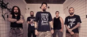 EYH (da esq. pra dir.): Marcelo Costa (bateria), Flávio França (guitarra), Luis Cláudio (vocal), Herman Souza (guitarra) e Cláudio Slayer (baixo)