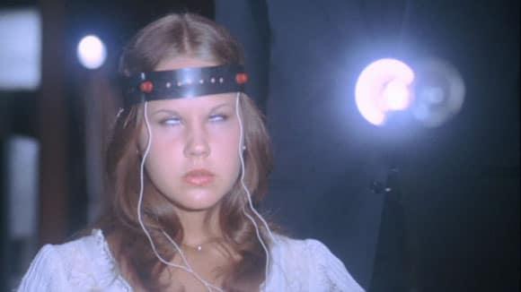 O Exorcista II: Linda Blair, Richard Burton e a possessão sem orçamento!
