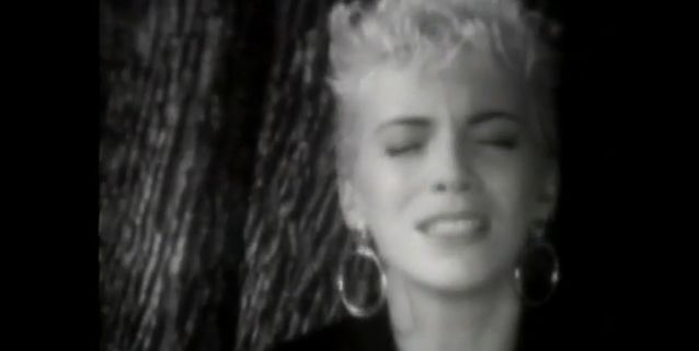 the miracle of love eurythmics anos 80