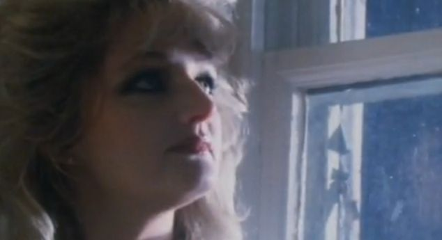 Total Eclipse Of The Heart Bonnie Tyler Clipe E Letra Traduzida