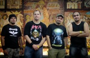 Gstruds (esq. pra dir.): Carlos (baixo), Paulo (guitarra), Luiz (vocal) e Acácio (bateria)