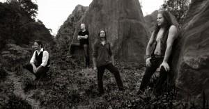 Kappa Crucis (da esq. pra dir.): F. Dória (bateria e vocal), R. Tramontin (baixo, backing vocals), A. Stefanovitch (teclados, vocais) e G. Fischer (vocal)