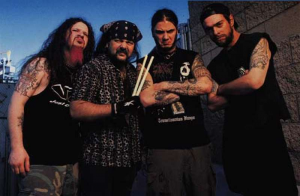 Pantera (da esq. pra dir.): Dimebag Darrel (guitarra), Vinnie Paul (bateria), Phil Anselmo (vocal) e Rex Brown (baixo)