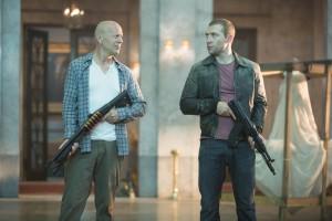 McClane pai e McClane filho: os russos piram!