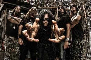 Korzus (esq. pra dir.): Antônio Araújo (guitarra), Dick Siebert (baixo), Marcello Pompeu (vocal), Heros Trench (guitarra) e Rodrigo Oliveira (bateria)