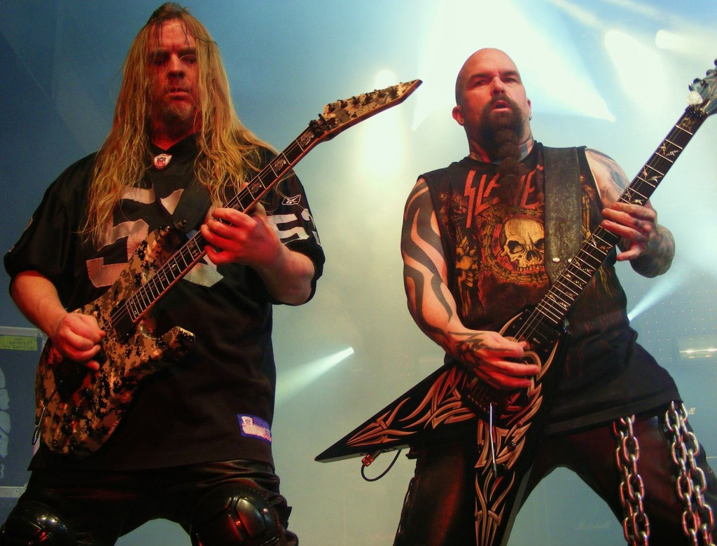 Jeff Hanneman (esq.) e Kerry King (dir.): a força motriz do Slayer