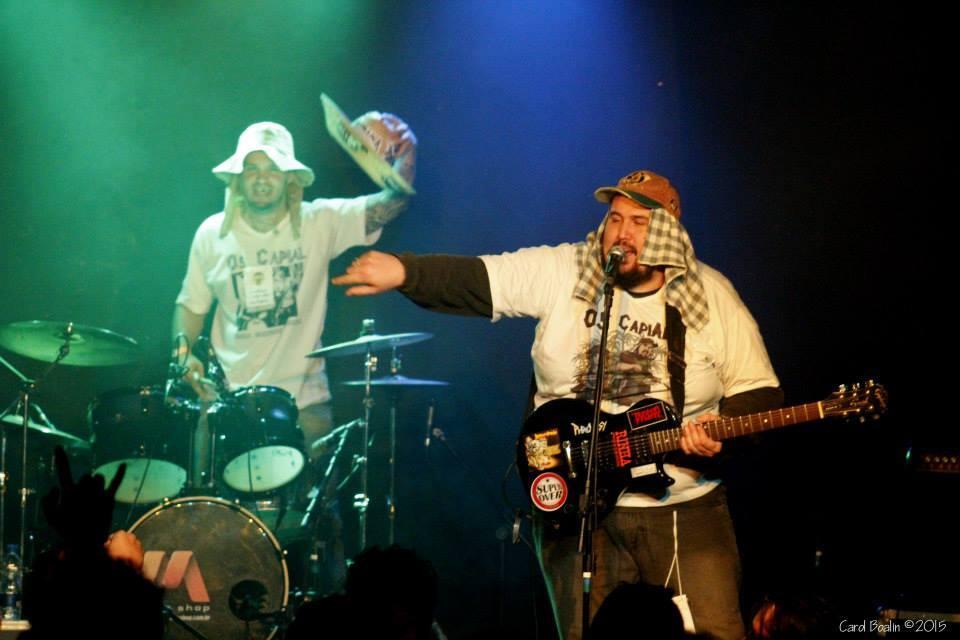 Bailão grindcore com Os Capial!  *(foto por Carol Boalin)