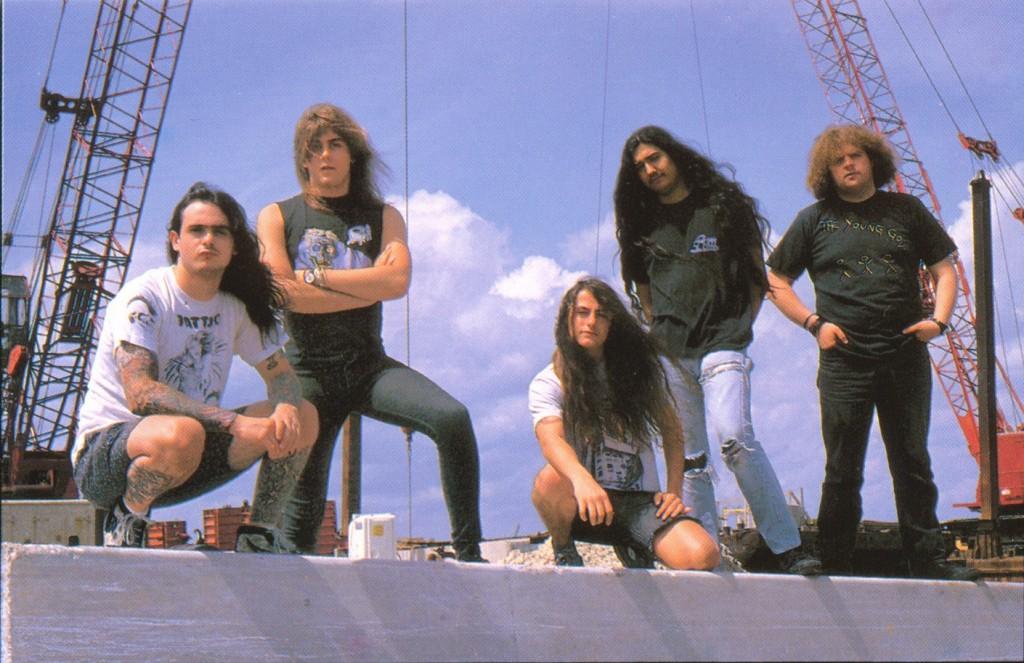 Com o Napalm Death.