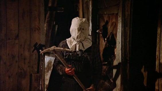 No segundo filme, Jason ainda não utilizava sua famosa máscara
