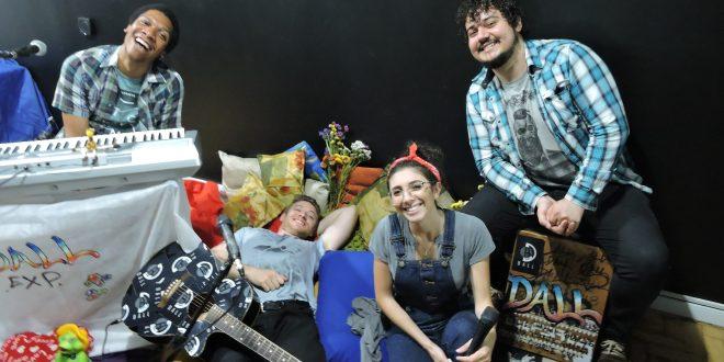 """Dall lança versão acústica de """"À Convivência"""" em clipe com Vic Limberger"""